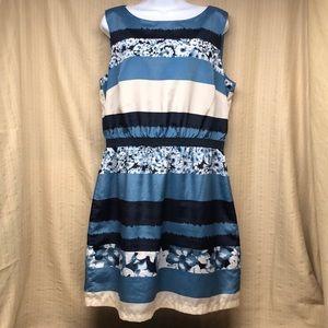 Ann Taylor LOFT Short Sleeveless Blue Floral Dress